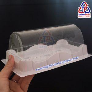 Hộp nhựa đựng bánh bông Lan cuộn Hộp bánh bông Lan H19 Hộp nhựa đế trắng đựng bánh bông Lan